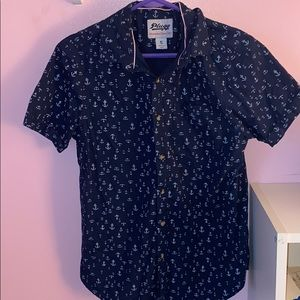 Plugg Anchor button down size small